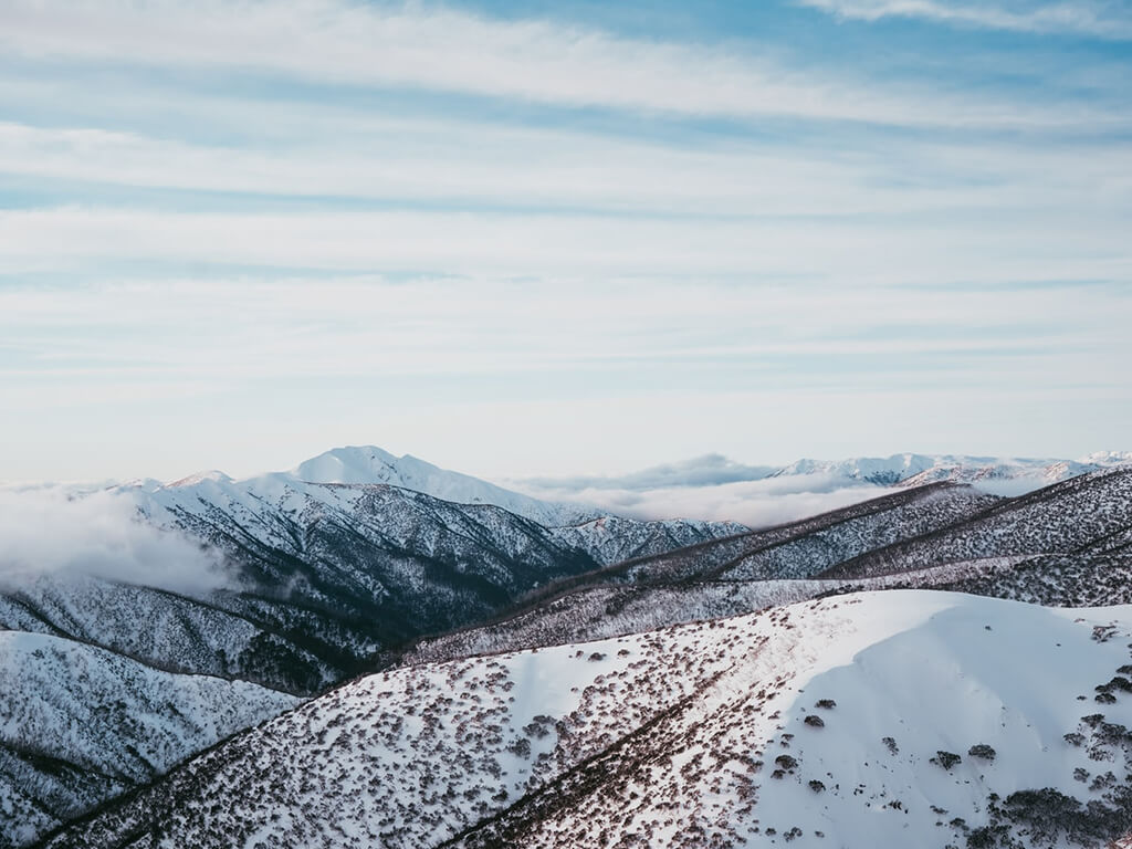 airbnb-cleaning_linen-snowy_mountains